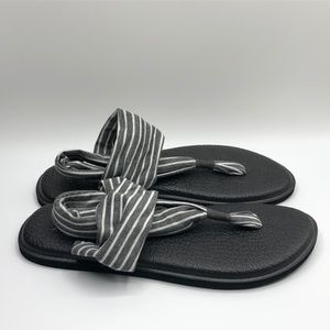 NWOT Sanuk Yoga Sling Gray Striped Sandals Sz 8